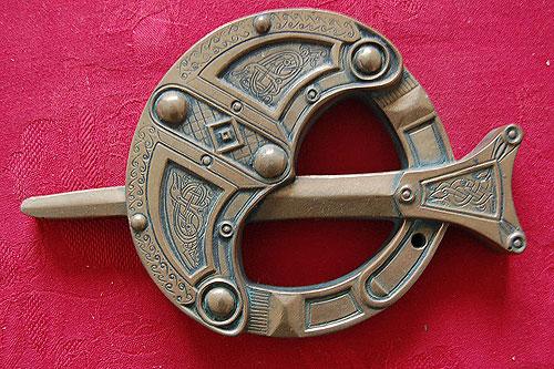 Irish Celtic Brooch Bronze (Bronze Handcrafted Plaque)