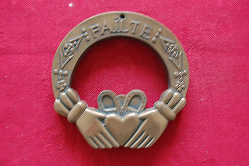 Claddagh Friendship Irish Bronze