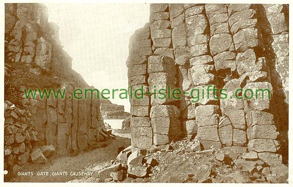 Antrim - Giants Causeway - Giants Gate