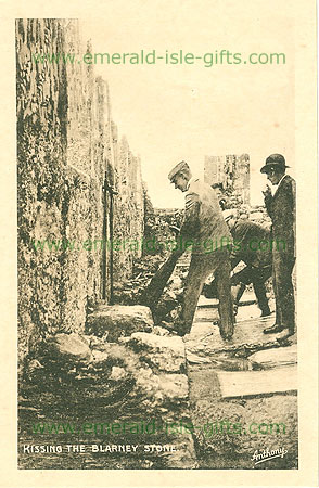 Cork - Blarney - Kissing the Blarney Stone