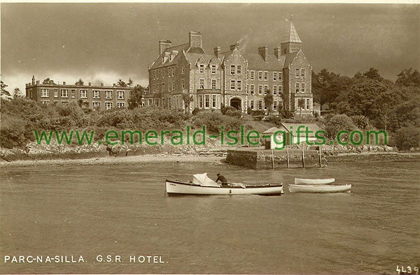 Kerry - Parknasilla - Lake and Hotel