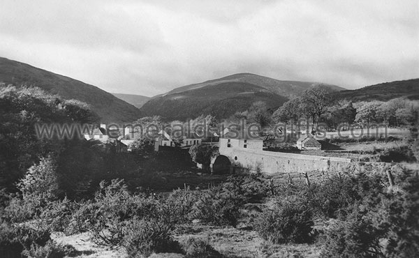 Wicklow - Glendalough - Village - b/w photo