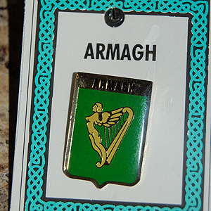 Armagh Pin Lapel Clip Badge - Coat of Arms (Where are you from ?)