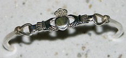 Claddagh Irish Silver Bangle