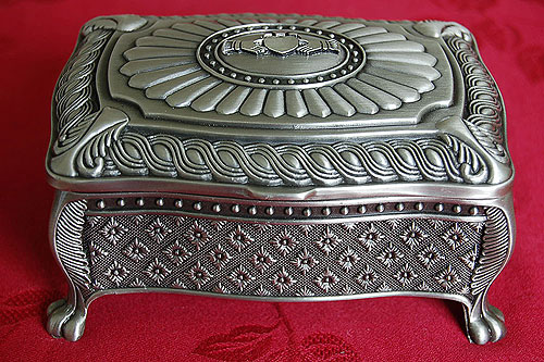 Claddagh Irish Jewelry Box by Mullingar Pewter