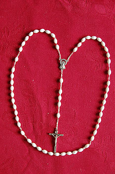 Italian Rosary Beads White Oval Plastic (Silver Crucifix)