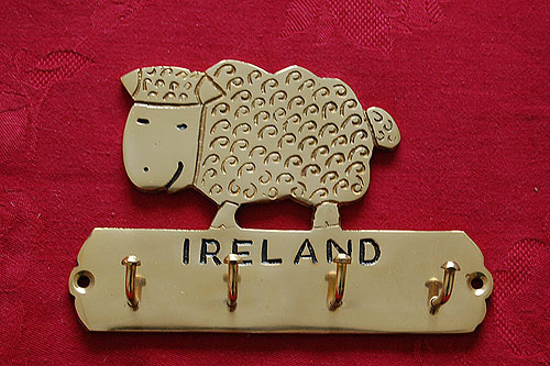 Irish Sheep Brass Key Rack (Cute !)