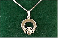 Connemara Marble Irish Claddagh Loop