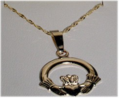"10K Gold Claddagh Pendant 18"" Chain"